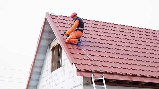 Укладка крыши дома Фото